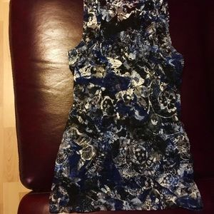 Size M Almost Famous Sheer Lace Tank Blue Wht